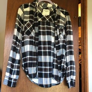 an abercrombie & finch plaid xs button up shirt